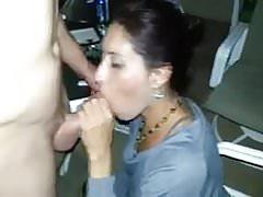 Cuckold Films Frau gibt einem anderen Mann den Kopf (HD)