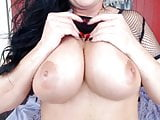 Curvaceous MILF with DDD boobs has the desire to cum