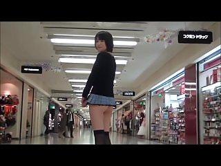 微型迷你裙在公共场合