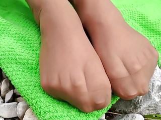 porno zadarmo - Rosalie Feet - Outdoor Nylon Feet