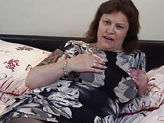 Mamma matura BBW di trio con la figa inglese