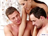 Kinky babe trio with bisexual muscle hunks