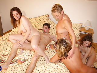 Gangbang Amateur Mature video: Mom son and three more hungry moms