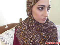 Amatoriale arabo arato prima del pompino