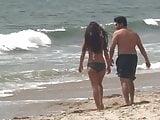 Beach hottie w ugly bf