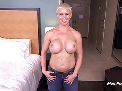 Busty Pixie Slut POV Facial na MomPov