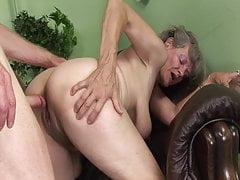 Oma braucht einen Orgasmus