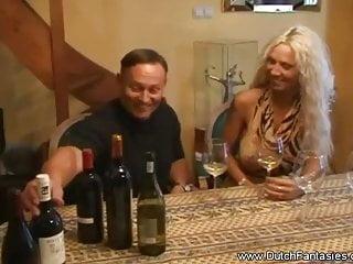 Milfs Blondes Hardcore video: Dutch Mom Turns Into Pornstar