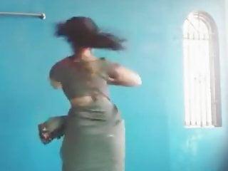 Kavya Suresh hot dance