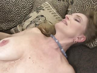 .Gorgeous mature housewives suck and fuck cocks.