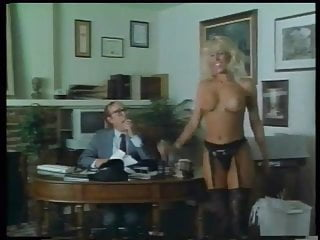 .Party Favors (1987) -- Blondi Bee.