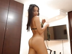 Teen latina babe mostrando su cuerpo sexy
