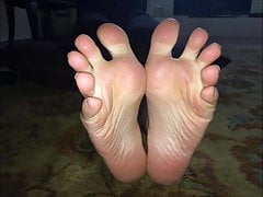 Maria porusza swoje seksowne stopy (rozmiar 39), część 4