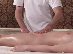 Massaggio Nuru tedesco Milf