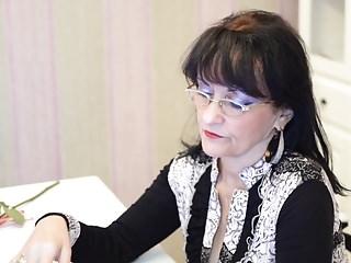 Milfs European Agent video: Classy Milf Cindy