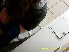 polnisch girl nicole wc spion pissen toilette versteckt