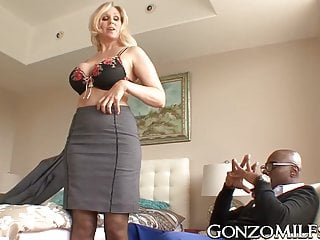 Milfs Hardcore Big Tits video: Big breasted MILF invites a stallion for interracial plowing