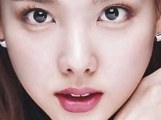 Korean Celebrity Babe video: Nayeon's Cum-Ready Face