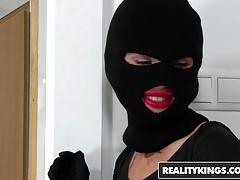 RealityKings - RK Prime - Kai Taylor Sasha Rose - Rude probuzení