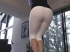 Lady Fyre White Yogahosen Assworship Tease and Denial
