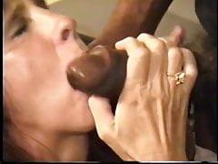 Cuckolds żona dostaje duże nieobrobione czarne mięso człowieka