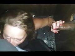 Dziewczyna wydmuchuje swojego mężczyznę, dając BBC GH HJ