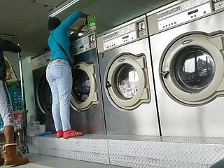 Laundromat Creep Shots 2 sluts with round asses and no bra