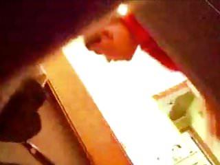 Broder spioner systerbyte, dold kamera