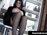 PantyHosed Texas Cougar Deauxma Gives A Hard Cock A Footjob!