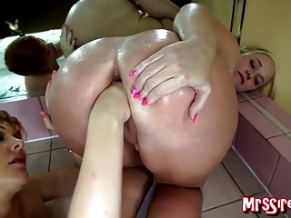Big Boobs Fisting Wife video: MILFs Fisting in Jacuzzi