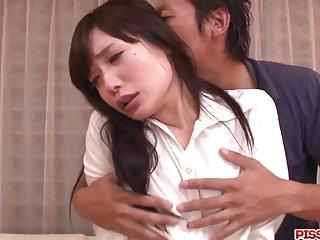 与Tsukushi强烈的口交和沉重的性行为