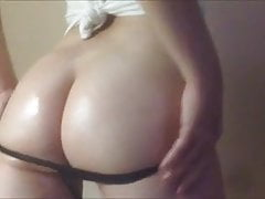 PAWG-Motivation ... (Oiled Up Booty Tease)