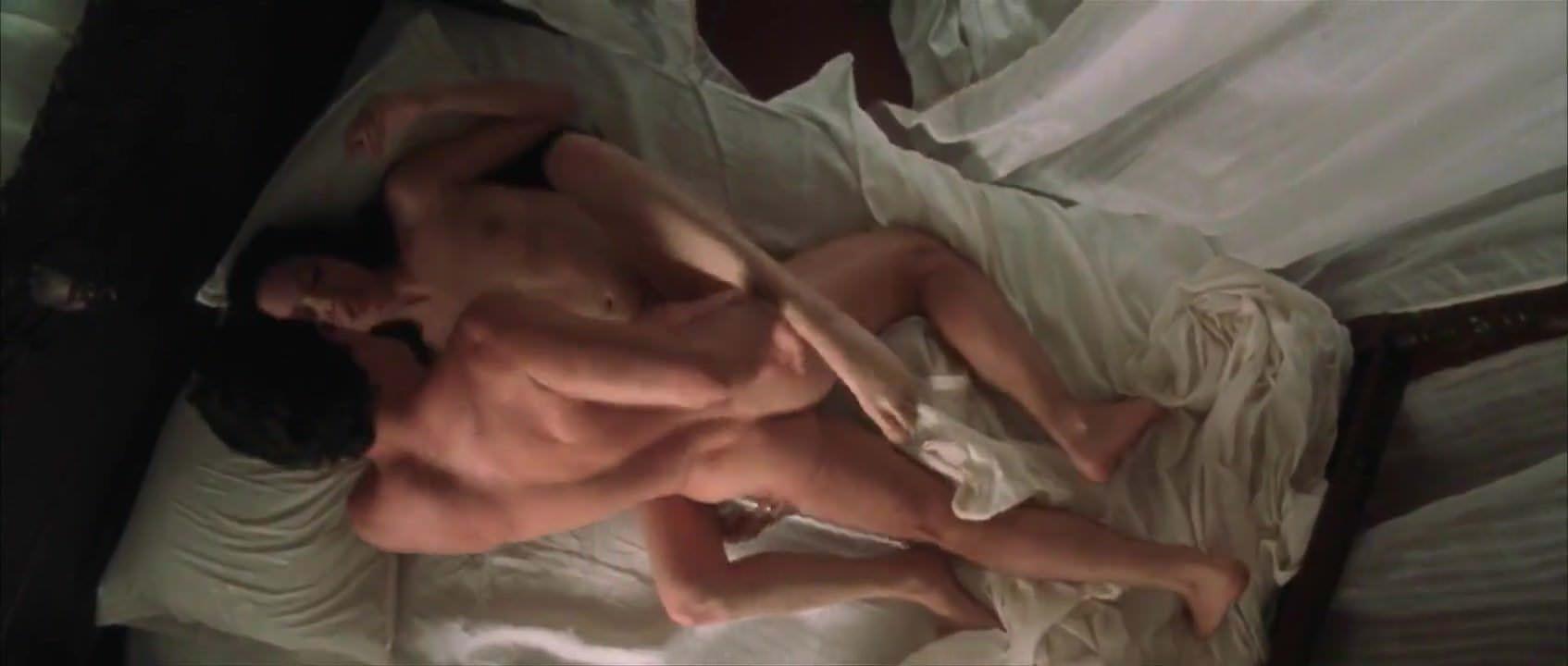 Видео порно в чулках сидит