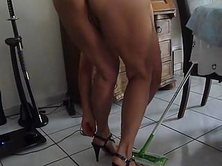German Amateur movie: house clean 2