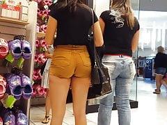 Ehrliche Voyeur heiße dicke Arsch latina enge Shorts im Einkaufszentrum