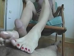 My cock loves her milf toes!  Footjob -shoejob