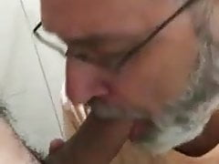 Bearded dad cock sucking cock   Porn-Update.com