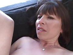 Oma wird von einem schwarzen Fick anal gefickt