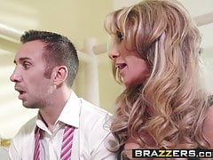 Brazzers - Milfs Like It Big - Farrah Dahl und Keiran Lee -