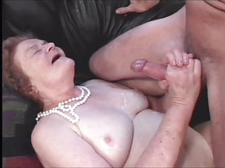 Handjob Milf Mature video: DAVINA 2