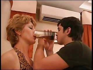 Milfs Oldyoung Russian video: Russian mature Margaret tablefuck