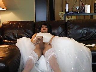 Masturbation Shemale Lingerie Shemale Hd Videos video: stephanie cumming in wedding dress