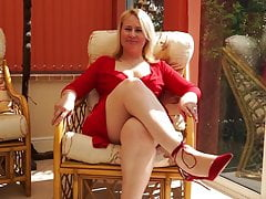 Mature aunty in red with skilled fingers