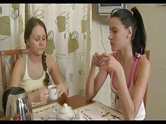 graziose piccole lesbiche 13