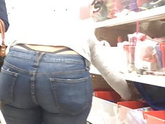 Thong Milf in Jeans (Show Me That Thong)