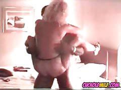 Cuckold MILF scopata dal toro della BBC Sissy si diverte a guardarla
