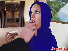 Muslimische Schönheit fickt um Geld