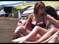 topless na plaży, bardzo ładne duże cycki do mater