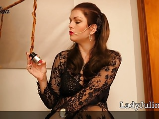 Femdom Slave Mistress video: JOI fuer Sklaven Poppers Sau German Mistress Lady Julina