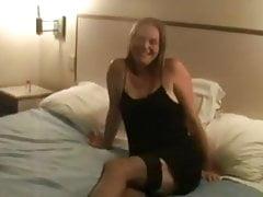 Sexy Frau von zwei schwarzen Mann gefickt